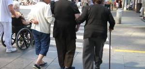 Servicio en domicilio a personas ancianas para el mantenimiento de la autonomía personal